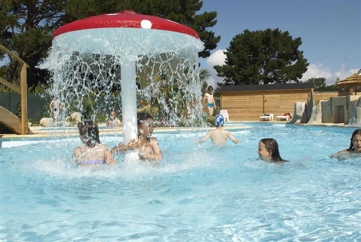 Piscine chauffee camping kost ar moor camping kost ar for Camping de la piscine fouesnant